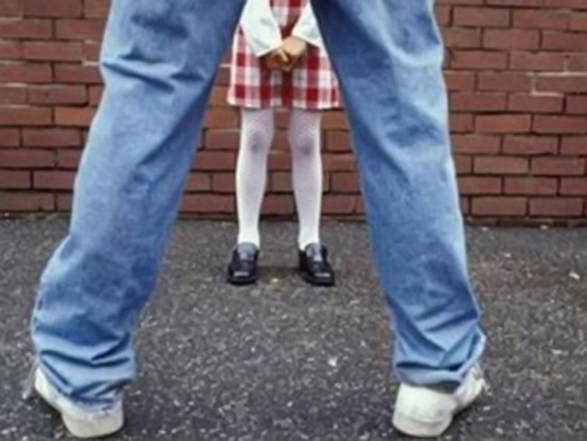 Смотреть мужик жестоко трахнул девочку 27 фотография