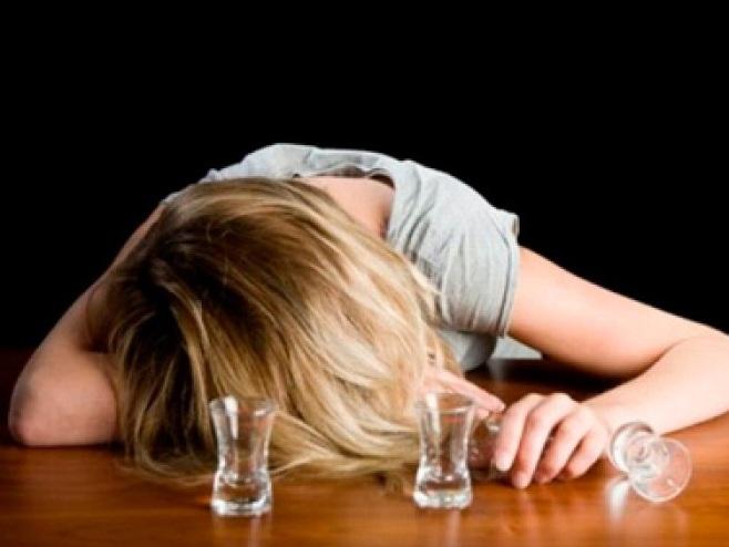 Женский алкоголизм как быть родственниками
