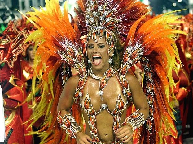 частное фото карнавала в бразилии