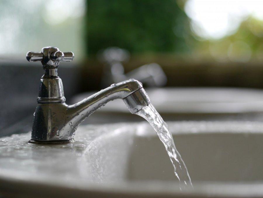 Картинка воды из-под крана