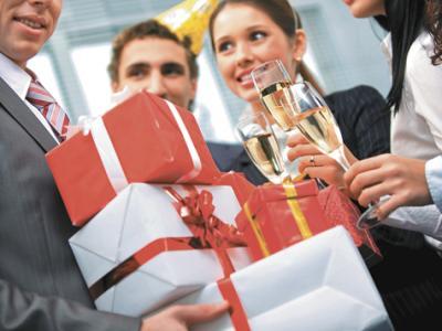 Бизнес-подарки на Новый год 2017 - год Огненного Петуха