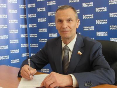 Кандидат от «Единой России» Александр Сидоренко снялся с выборов в облдуму