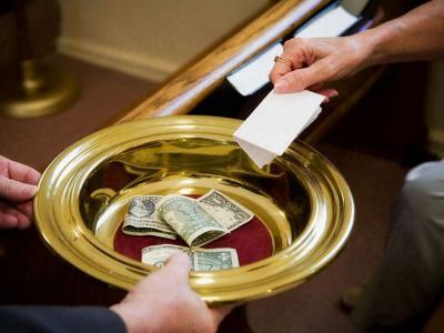 В Саратове расследуется дело о сборе с коммерсантов денег на строительство церкви