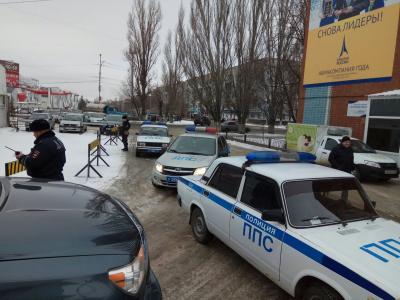 Навальный в Саратове: мэрия и полиция активно противодействуют его встрече со сторонниками