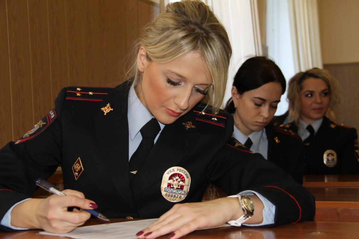 Работа в саратове в полиции для девушек работа онлайн будённовск