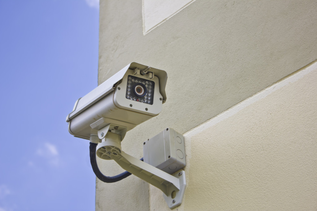 essay about surveillance cameras Surveillance essay surveillance essay from personal experience, i feel as if surveillance cameras are not only one of the best ways to prevent crime.