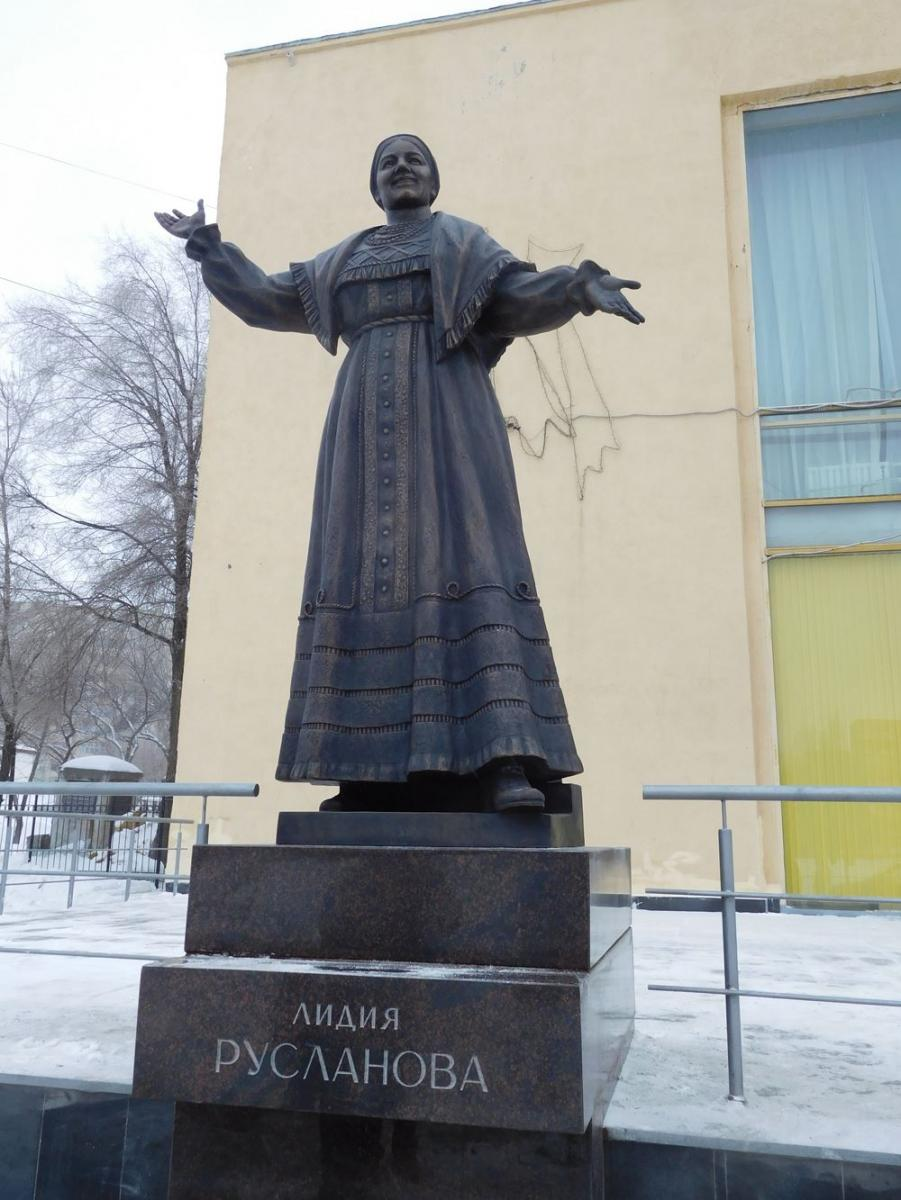 Памятники саратов цены в рублях лучшие памятники из гранита в 1 м3