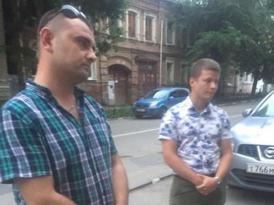 Сына Елены Никитиной пытались задержать оперативники с удостоверениями без фотографий