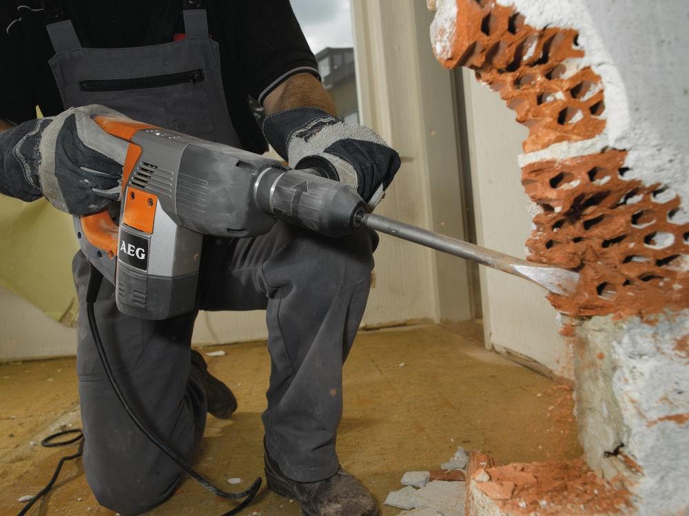 перфоратор для кирпичной стены