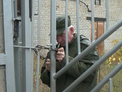 Трубное дело Невейницына: Охранники бизнесмена не пустили следователей на территорию