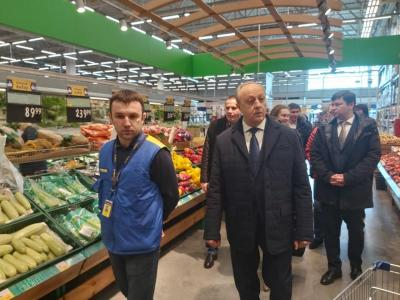 Валерий Радаев поменял планы в связи с ситуацией с продуктами питания