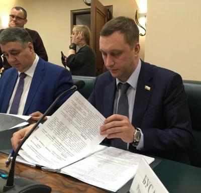 Валерий Радаев предлагает назначить Романа Бусаргина председателем правительства области